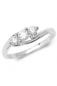 18K 3 Stone Diamond Ring